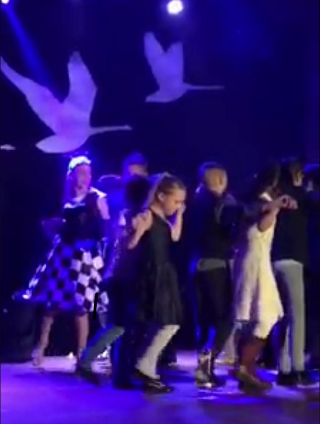 Videolinkki itsenäisyyspävän tansseihin